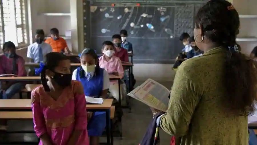 Delhi schools to mark unvaccinated teachers on 'leave' after October 15