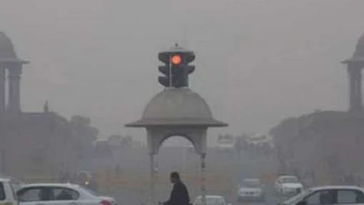 Delhi's air quality slips to 'very poor' category; Stubble burning contributes 14% to polluted air