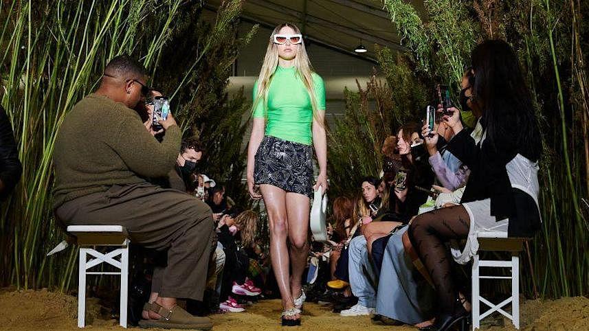 Steve Jobs' 23-yr-old daughter Eve makes her runway debut during Paris Fashion Week