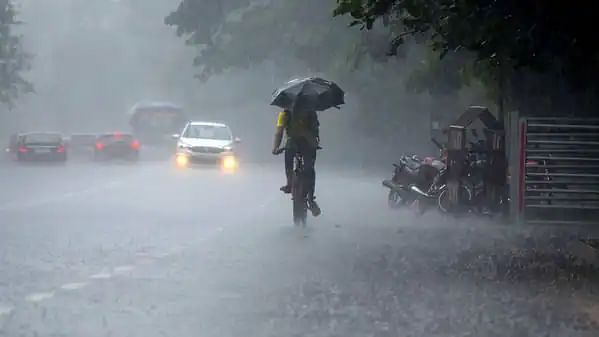 IMD forecasts heavy rainfall in Kerala from Oct 11 to 13; issues orange alert for 7 districts