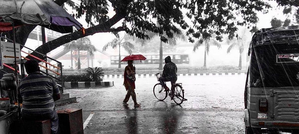 #LIVE UPDATES | மிகக் கடுமையான சூறாவளி புயலாக மாறும் 'மகா' : இந்திய வானிலை ஆய்வு மையம் தகவல்!