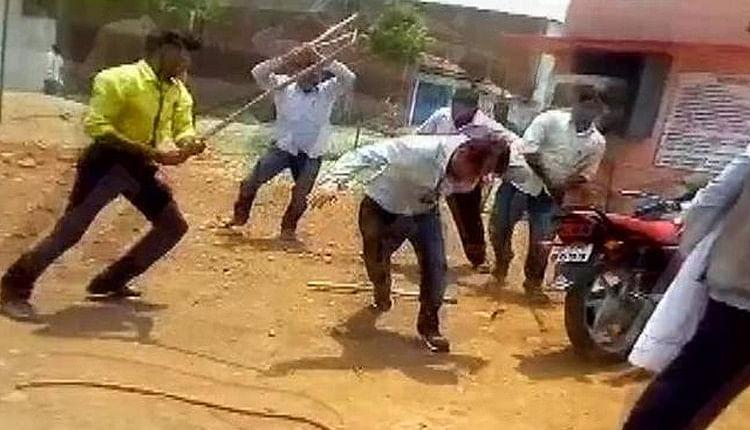 தொடர்ந்து தாக்கப்படும் அரசு அதிகாரிகள் - உத்தரபிரதேசத்தில் பா.ஜ.கவினர் அராஜகம்