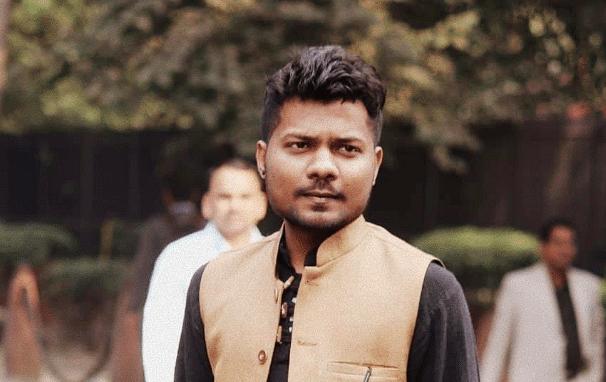 செய்தியாளர் பிரஷாந்த் கனோஜியா