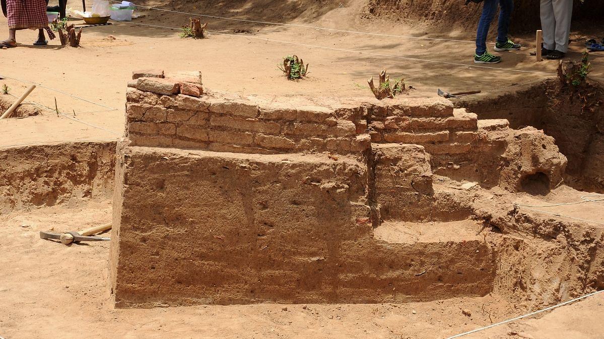 கீழடி அகழாய்வில் 2,500 ஆண்டுகளுக்கு முந்தைய உறைகிணறு: வியந்த மலேசிய தமிழர்கள்!