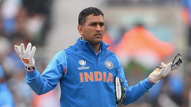 அடுத்த T20 தொடரிலும் தோனிக்கு இடமில்லை என பி.சி.சி.ஐ சூசகம் : அதிர்ச்சியில் ரசிகர்கள் !