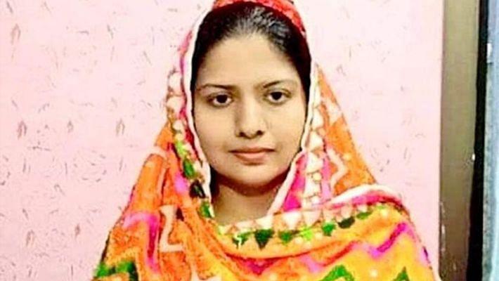 பாகிஸ்தான் போலிஸ் அதிகாரியாக முதல் சிறுபான்மையினர் இந்து பெண் தேர்வு!