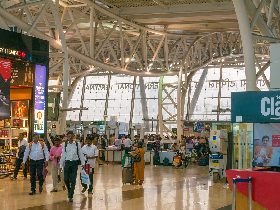 முழு பாதுகாப்பு வளையத்திற்குள் சென்னை விமான நிலையம்... தொடர்கிறது 'ரெட் அலெர்ட்'!