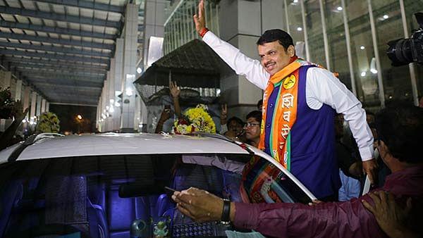 மகாராஷ்டிரா: முரண்டுபிடிக்கும் பா.ஜ.க-சிவசேனா... சரத் பவார் - சஞ்சய் ராவத் சந்திப்புக்குப் பின்னணி என்ன?
