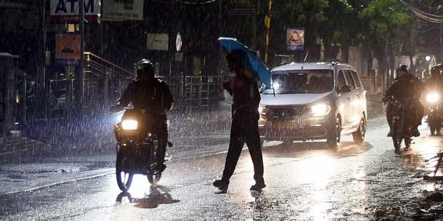 அடுத்த 2 நாட்களுக்கு தமிழகத்தின் 6 மாவட்டங்களில் கனமழைக்கு வாய்ப்பு : சென்னையில் லேசான மழை பெய்யக்கூடும்!
