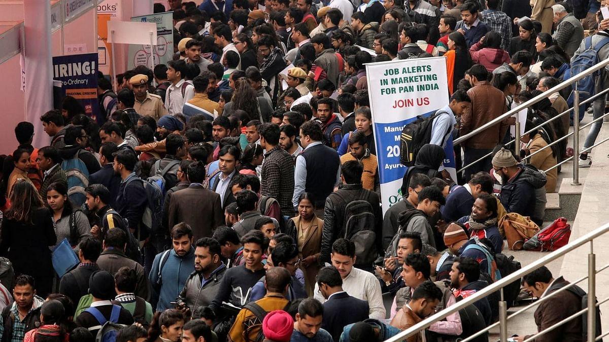 இந்தியாவில் இதுவரை இல்லாத அளவிற்கு வேலையில்லா திண்டாட்டம் : 2020ல் சிக்கலான நிலையில் இந்தியா !