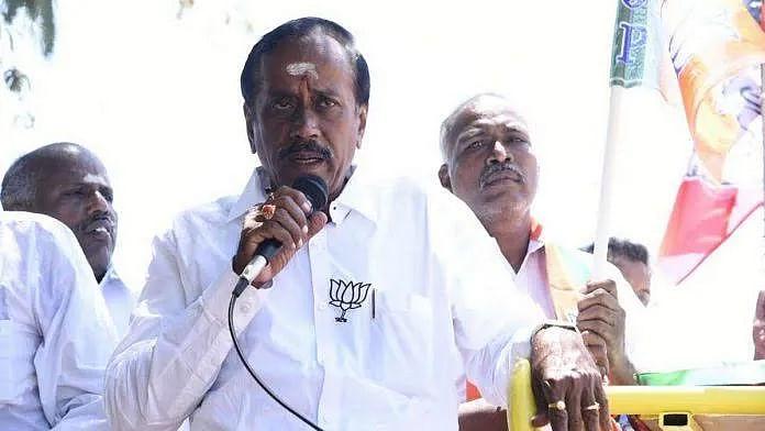 """""""போராடும் மாணவர்கள் மீது குண்டு வீசுவோம்"""" : ஹெச்.ராஜா வன்முறைப் பேச்சு - ட்ரெண்டாகும் #ArrestHraja !"""
