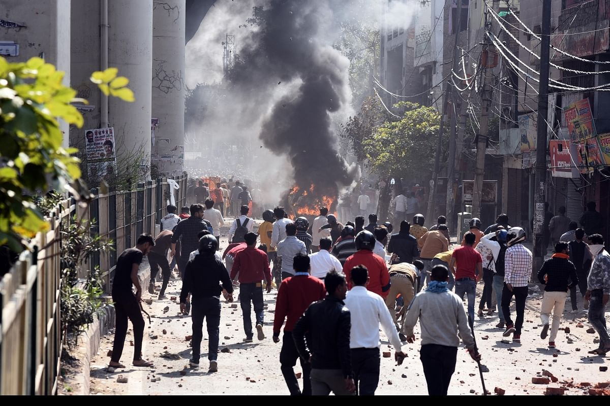 Delhi Riots : 903 பேர் கைது; 254 பேர் மீது FIR பதிவு... பா.ஜ.கவினரை இதுவரை தொடாத  டெல்லி போலிஸ்!