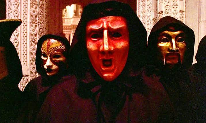 இல்லுமினாட்டிகளால் கொல்லப்பட்டதாக கருதப்படும் இயக்குனர்- 'Eyes Wide Shut' படத்திற்குப் பின்னே மர்மக் கதை!