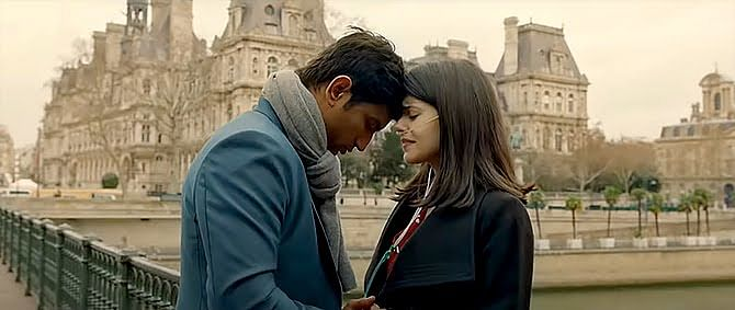 பாலிவுட் நடிகர் சுஷாந்த் சிங் ராஜ்புத்தின் கடைசிப் படம் - எப்படி இருக்கிறது 'தில் பேச்சரா'?