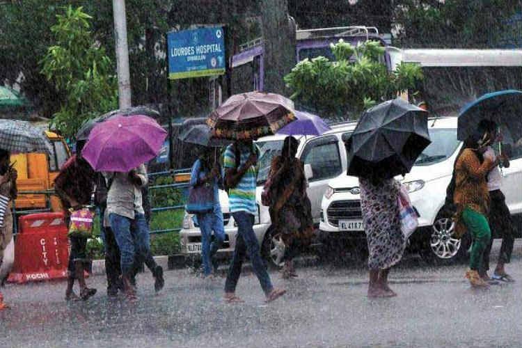 அடுத்த 2 நாட்களுக்கு 16 மாவட்டங்களில் கன & மிதமான மழைக்கு வாய்ப்பு - தமிழக வானிலை நிலவரம்!