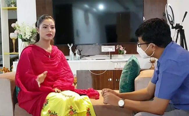 இந்துப் பெண் முஸ்லிம் வீட்டில் தங்கியதுபோல காட்டியதால் டி.வி நிகழ்ச்சியை 2 மாதங்கள் முடக்கிய அசாம் அரசு!