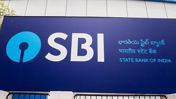ஏ.டி.எம்-களில் 10,000 ரூபாய்க்கு மேல் பணம் எடுத்தால் OTP கட்டாயம் : SBI வங்கி அறிவிப்பு!