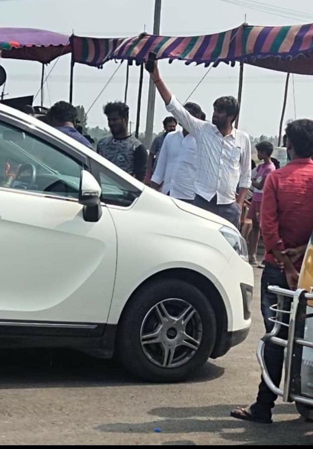 அஜித்தின் 'வலிமை' படப்பிடிப்பு சென்னையில் மீண்டும் தொடங்கியது... வைரலாகும் ஷூட்டிங் ஸ்பாட் புகைப்படங்கள்!