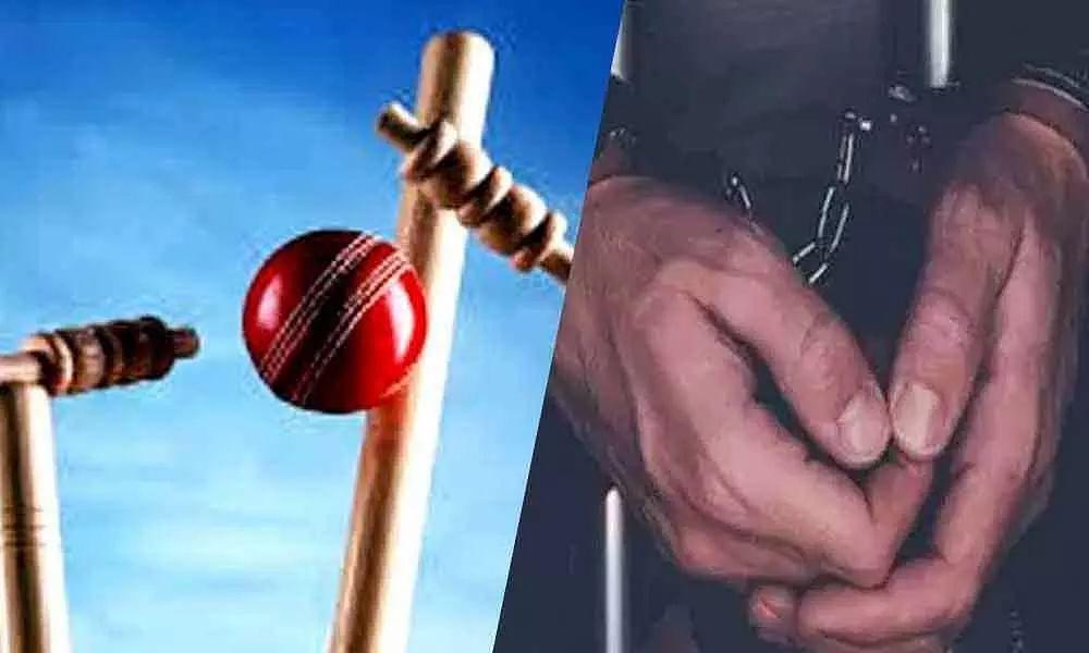 IPL போட்டியை வைத்து 730 கோடிக்கு சூதாட்டத்தில் ஈடுபட்ட 8 பேர் கைது : ஐதராபாத் சைபர் கிரைம் போலிஸ் அதிரடி!
