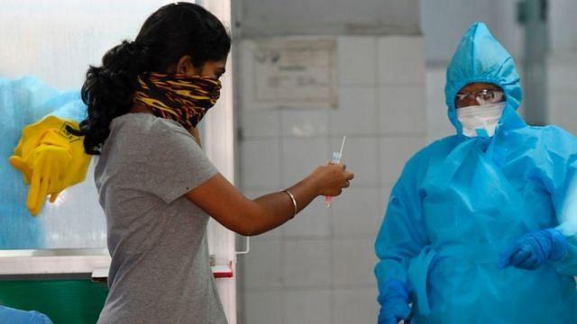 தமிழகத்தில் இன்று 1,220 பேருக்குக் கொரோனா தொற்று: சென்னையில் 313 பேர் பாதிப்பு: 1,302 பேர் டிஸ்சார்ஜ்!