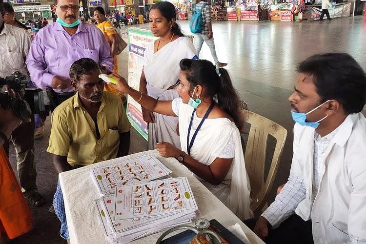 தமிழகத்தில் மேலும் 2,487 பேருக்கு கொரோனா.. சென்னை, கோவையில் தனியாத வைரஸ் பரவல்! #CoronaUpdates