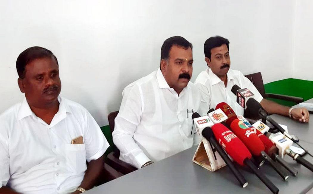சிவகாசி பட்டாசுகளை அனுமதித்து சீன பட்டாசுகளை தடை செய்திடுக - ராஜஸ்தான் முதல்வருக்கு காங்கிரஸ் MP கடிதம்!