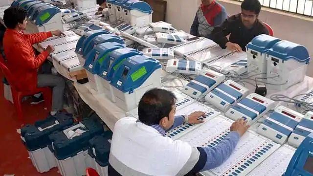 பீகார் சட்டப்பேரவைத் தேர்தல் முடிவுகள் : ஆர்.ஜே.டி - காங்கிரஸ் கூட்டணி முன்னிலை! #BiharElectionResults
