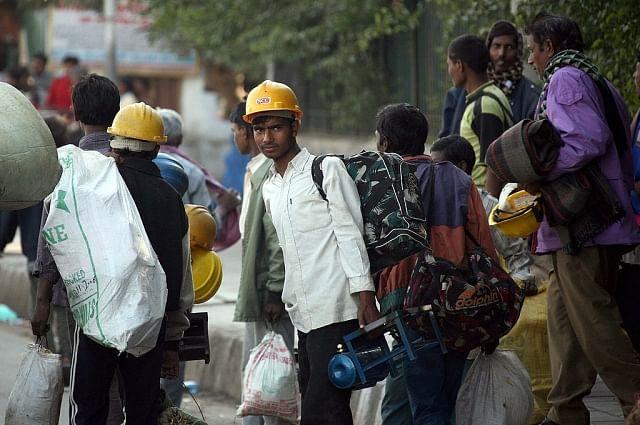 8 மணி நேர வேலையை 12 மணி நேரமாக மாற்ற பரிந்துரை - தொழிலாளர் விரோத மோடி அரசின் அடுத்த திட்டம்!