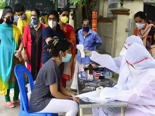 தமிழகத்தில் 11 ஆயிரத்தை கடந்த தினசரி கொரோனா பாதிப்பு.. இன்று 11,681 பேருக்கு தொற்று உறுதி.. 53 பேர் பலி!