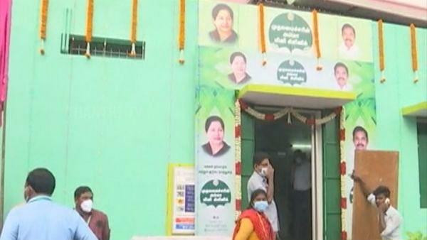 தேர்தல் நேரத்தில் பட்டி, டிங்கரிங்: அதிமுக ஆட்சியில் நடந்த அலங்கோலத்தின் ஒன்றுதான் 'அம்மா மினி கிளினிக்'!