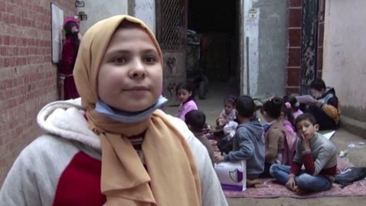 கொரோனா ஊரடங்கு : பள்ளி ஆசிரியரான 12 வயது சிறுமி - சர்வதேச அளவில் குவியும் பாராட்டுகள்