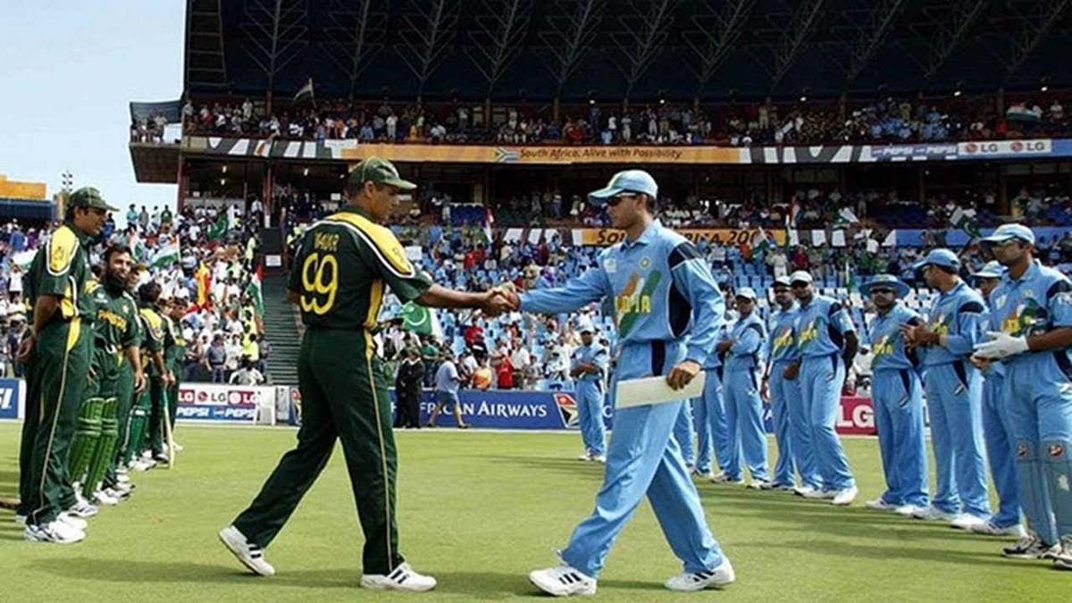 உலகின் சிறந்த பவுலிங் அட்டாக்கை சச்சின் வேட்டையாடிய நாள் இன்று... உலக கோப்பை 2003 நினைவுகள்!
