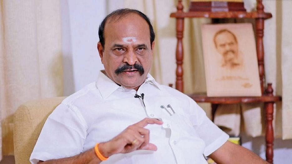 'உன்னை என்ன செய்றேன் பாரு..' : தேர்தல் அதிகாரியை மிரட்டிய அமைச்சர் கடம்பூர் ராஜு!