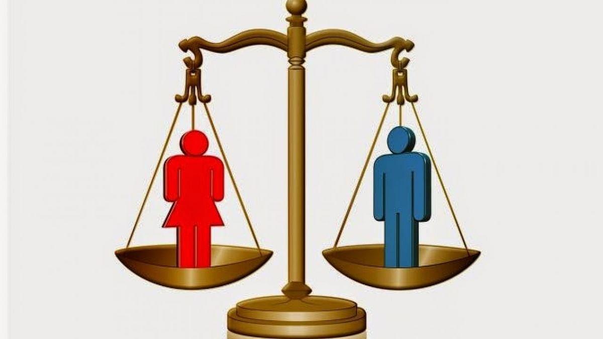 சட்டமன்றத்தில் ஆண்களுக்கு நிகராக பெண்களுக்கு பிரதிநிதித்துவம்: மத்திய அரசு முடிவெடுக்க  ஐகோர்ட் ஆணை!