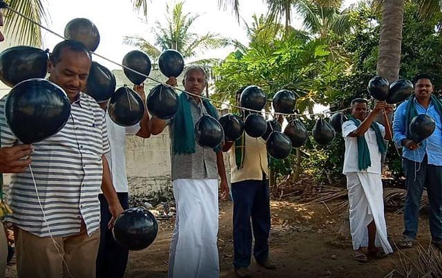 தமிழர்களோடு சேர்ந்து #GoBackModi  ட்ரெண்ட் செய்யும் பாஜக , அதிமுக அடிமைகள்!