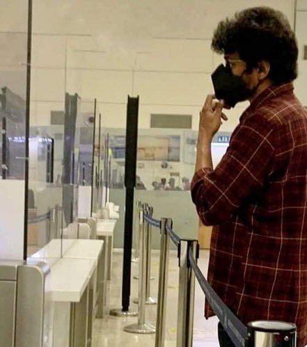 ஓட்டு போட்ட கையோடு ஜார்ஜியா பறந்த விஜய்... இனி 'விஜய்65' ஷூட்டிங்கில் பிஸி!