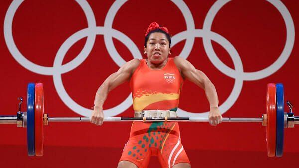 #Olympics2021 இந்தியாவுக்கு முதல் பதக்கம் - பளுதூக்குதலில் வெள்ளி வென்ற மிராபாய் யார் ?