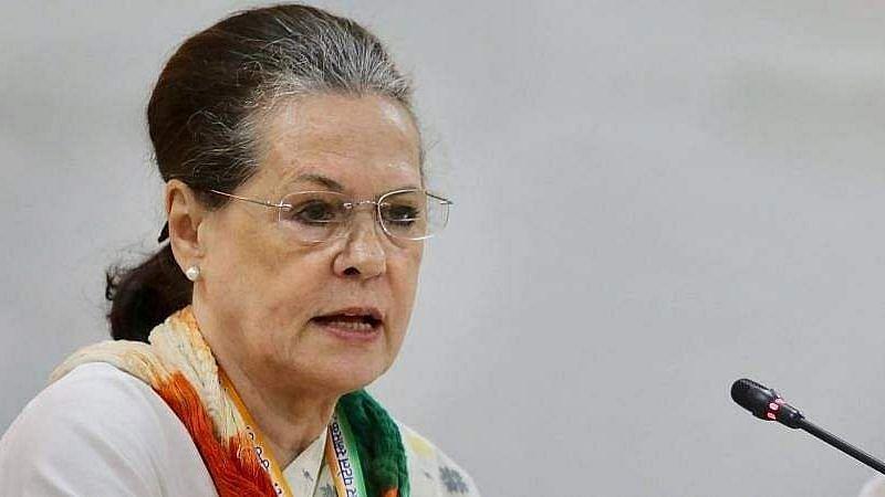 'காங்கிரஸ் கட்சிக்கு தலைவர் நான்தான்' : அதிரடி காட்டிய சோனியா காந்தி!