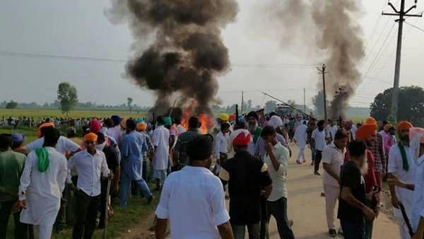 """""""23 பேர்தான் சாட்சியா?"""": விவசாயிகள் மீது கார் ஏற்றிய வழக்கில் உ.பி அரசுக்கு உச்சநீதிமன்றம் சரமாரி கேள்வி!"""