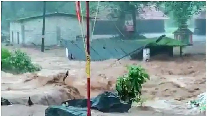 கேரளாவில் கனமழை : கோட்டயம், இடுக்கி மாவட்டங்களில் 8 பேர் பலி.. பலர் மாயம் - மீட்புப் பணிகள் தீவிரம்!