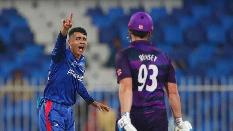 T20 உலகக்கோப்பை: முஜிபுர் ரஹ்மான்- ரஷீத்கான் சுழலில் சிக்கி சின்னாபின்னமான ஸ்காட்லாந்து! AFG vs SCO