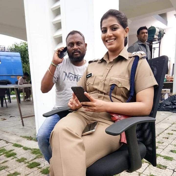 வரலட்சுமி சரத்குமாருடன் ரமேஷ்