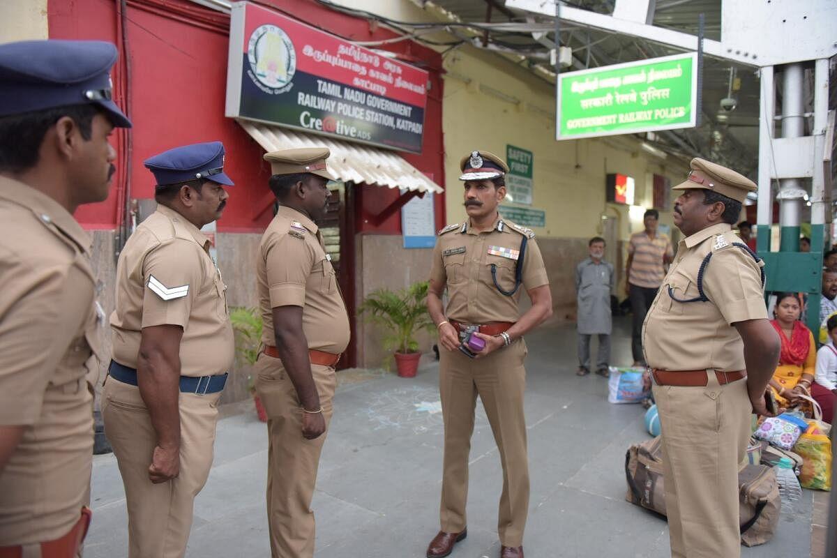48 மணி நேரத்தில் 2,512 ரவுடிகள் கைது: அதிரடி ஆக்ஷனில் இறங்கிய சைலேந்திரபாபு