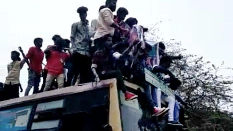 'ரூட் தல' பிரச்சினையைக் கண்காணிக்க வாட்ஸ்-அப் குழு!