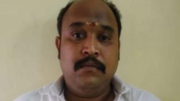 சென்னை மயிலாப்பூரில் அதிமுக பிரமுகர் வெட்டிக் கொலை