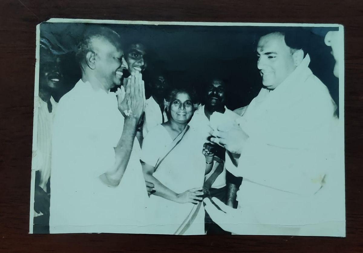 ராஜீவ் காந்தியுடன் உ.சுப