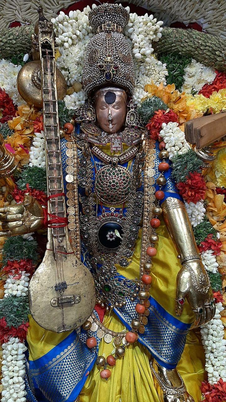 மதுரை மீனாட்சி அம்மன் - சங்கீத சியாமளை