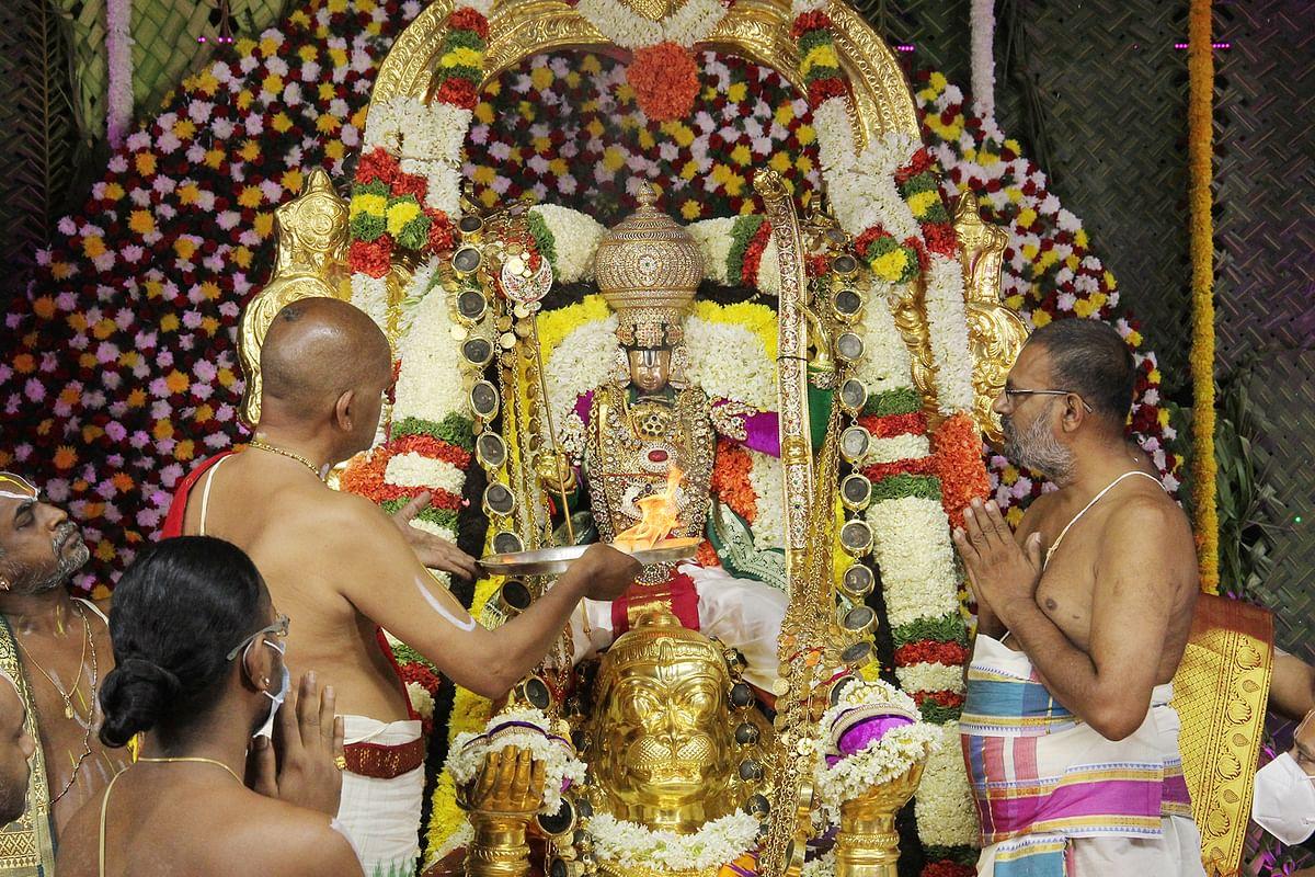 திருப்பதி பிரம்மோற்சவம் 6-ம் நாள் - ஹனுமன் வாகனத்தில் ஏழுமலையான் எழுந்தருளினார்