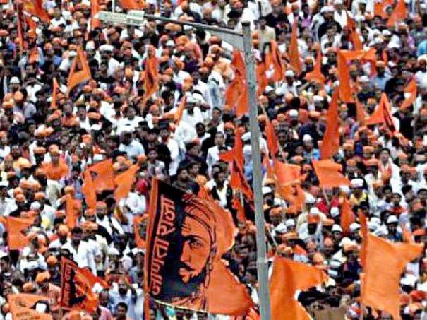 மராத்தா இடஒதுக்கீடு: மகாராஷ்டிரத்தை உலுக்கும் அரசியல் புயல்