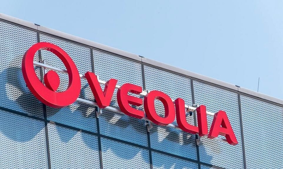 Veolia aims to buy Suez stake as prelude to planned takeover